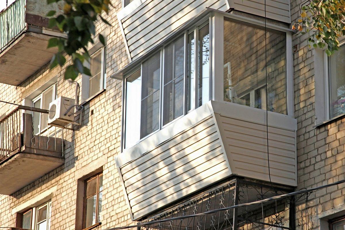 Обшивка балкона виниловым сайдингом в пятигорске.
